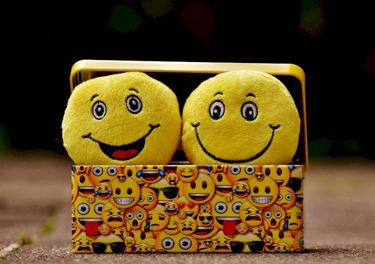 Gülümseyelim
